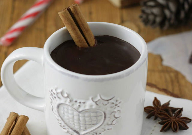 Hot Light Chocolate with Spices WW