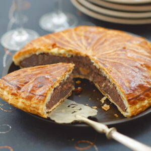 Pear & chocolate Galette des rois a recipe very easy and quick to make, find the ingredients and the preparation steps.